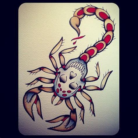 idee tatouage femme scorpion avec tete de mort tatouage