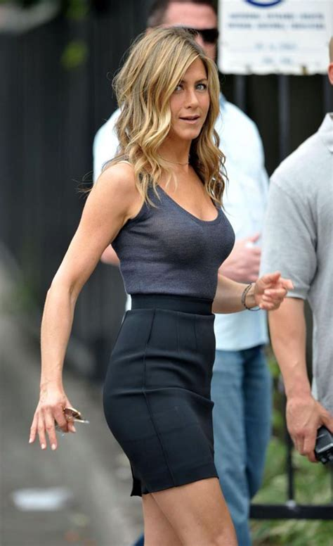 jennifer aniston est