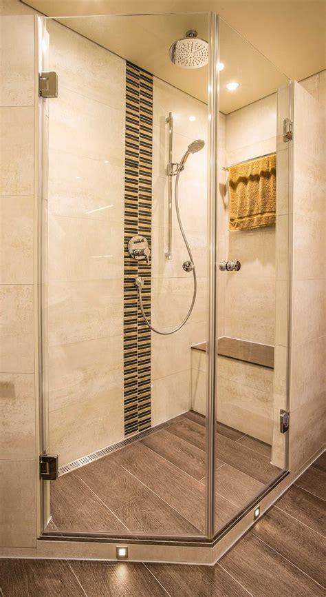 fliesen holzoptik dusche fishzero dusche holzoptik verschiedene design