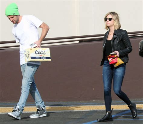 Skinny Jeans In Or Oyt In 2015 | ashley benson in skinny jeans out in los angeles