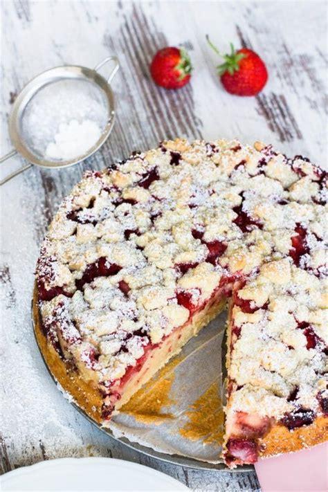 kuchen mit rhabarber und erdbeeren joghurt kuchen mit erdbeeren und streusel kaschula