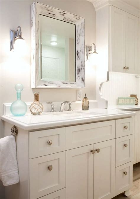cottage style bathroom mirrors 95 best beach cottage decor images on pinterest beach
