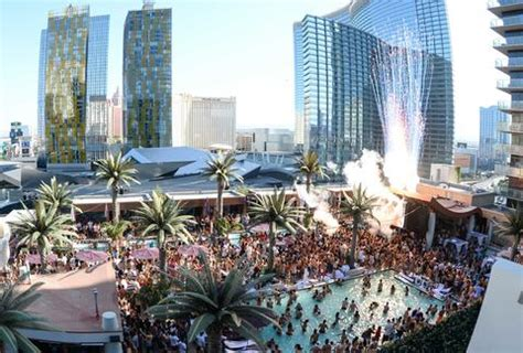 roof top bars vegas best rooftop bars in las vegas nevada thrillist