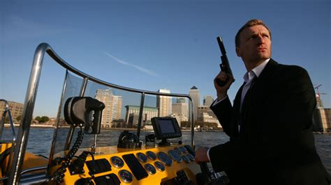 thames river cruise james bond high speed james bond thames cruise visitbritain usa