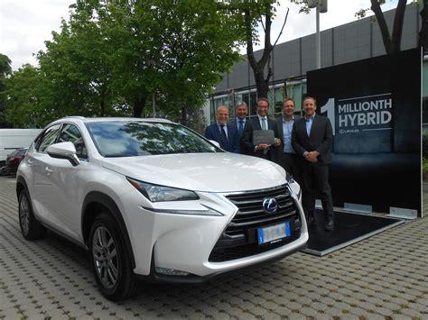 lexus one lexus hybrids achieve one million vehicle sales car