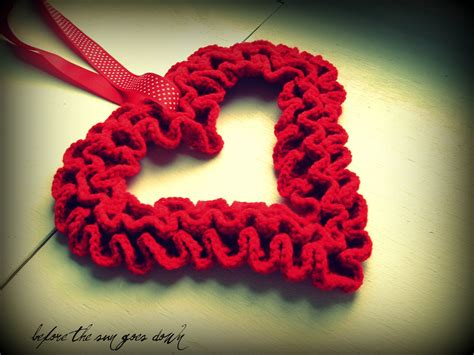 pattern for heart wreath would you like yarn with that crochet ruffle valentine