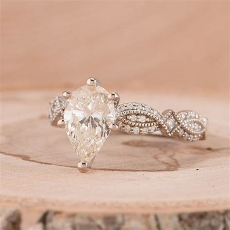 Pretty Engagement Rings by Trending Winter Wedding Proposals And Pretty Engagement
