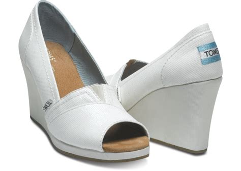 are toms comfortable bridal guide comfortable heels for dancing at your wedding