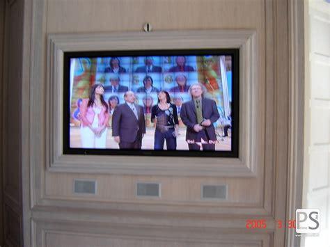 cornici per televisori produzione di cornici personalizzate per monitor prime