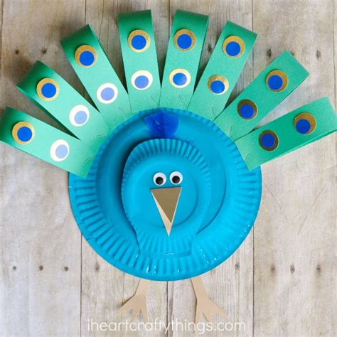 Simple Crafts With Paper Plates - gorgeous paper plate peacock craft i crafty things
