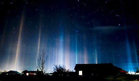 Pillar Of Light by Light Pillar Pictures Mysterious Sky Shows Explained