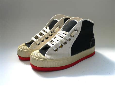 deadstock sneaker vintage deadstock sneakers children child s size eu 34