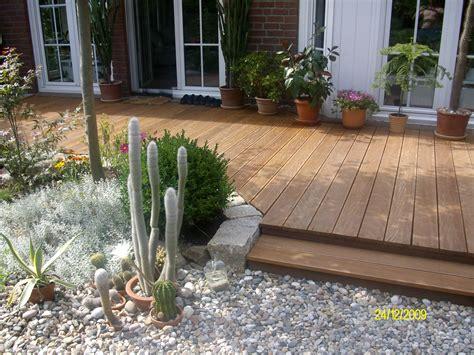 Nat Rlicher Sichtschutz F R Den Garten 2037 by Baum F 252 R Terrasse Terrasse Und Balkon Mit Pflanzen Und