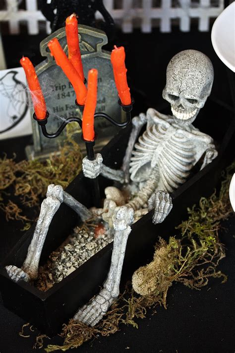 25 halloween decorations to make at home decoration love 25 halloween decorations to make yourself magment