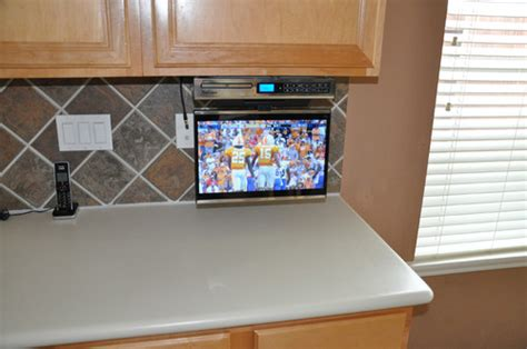 kitchen tv under cabinet mount find discount venturer klv3915 15 4 inch undercabinet