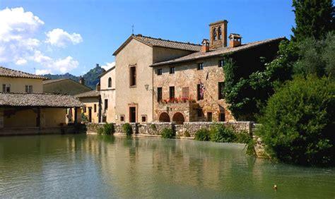 terme di bagno vignone bagno vignoni romantico borgo termale