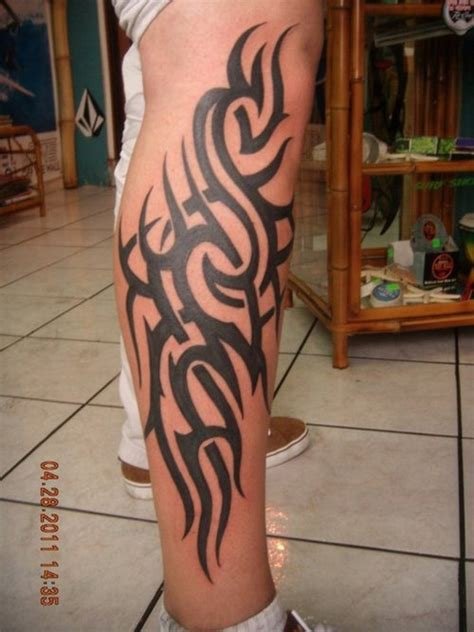 tribal tattoo in legs polynesian tribal leg
