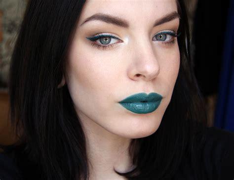 Lipstik Apocalips apocalips killer colours