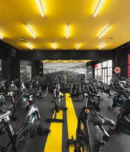 Home Gym Flooring by 25 Best Ideas About Gym Club On Pinterest Fitness Men