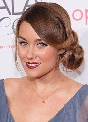 how to comb a bun with side swept bangs the ultimate hair bun when it s tropical outside feed