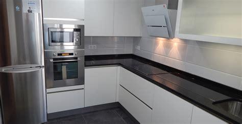tiradores muebles de cocina muebles de cocina especialistas en dise 241 o sin tiradores