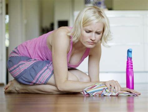 pulire le fughe dei pavimenti come sbiancare le fughe dei pavimenti in modo naturale