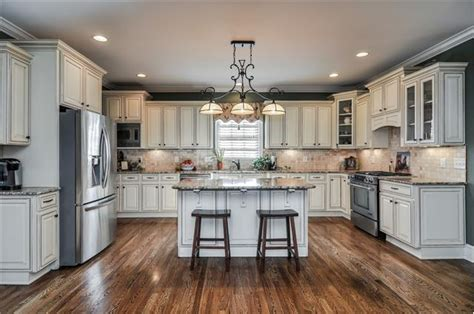 Cream Colored Kitchen Cabinets by Cream Colored Cabinets Kitchens Pinterest