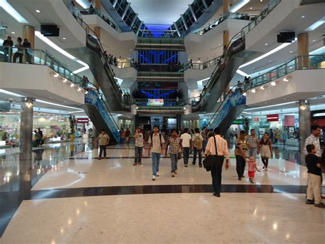 in mall file sc mall atrium view jpg wikimedia commons