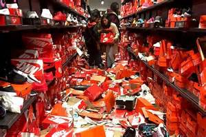 seattle premium outlets thanksgiving hours black friday shoppers completely destroyed this nike store