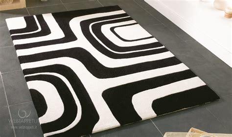 tappeto bianco e nero tappeto a righe bianco e nero idee per il design della casa
