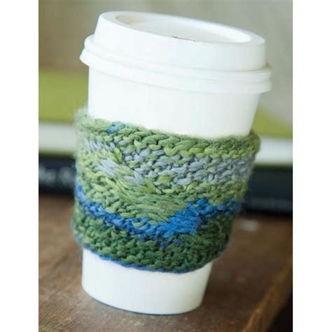 coffee sleeve knitting pattern cable coffee cozy easy knitting pattern favecrafts
