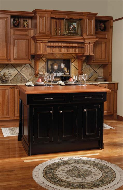 wellborn kitchen cabinets 36 best wellborn cabinet images on pinterest wellborn