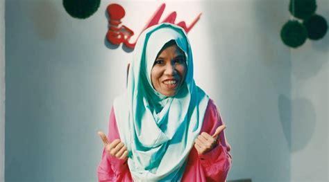 film barbie yang baru netter heboh komentari hodijah berhijab di trailer hijab
