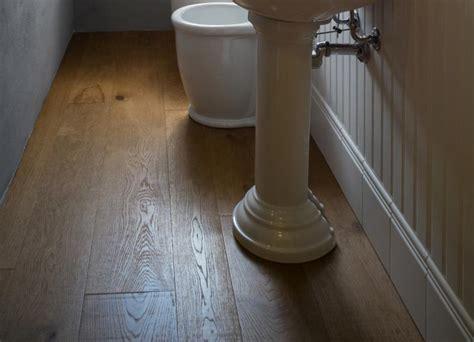 pavimento legno bagno pavimento in legno nel bagno fratelli pellizzari