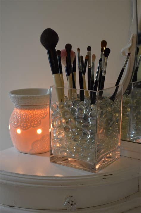 put in makeup brush holder diy makeup brush holder modern mommyhood