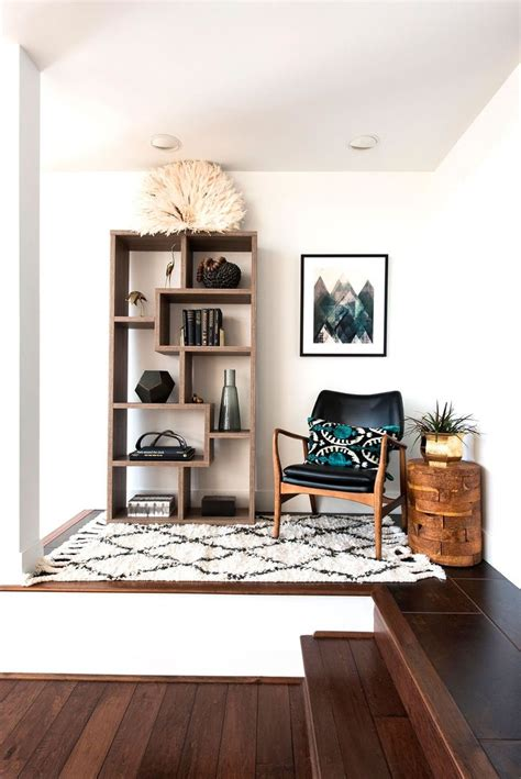 Living Room With Shelves - 25 best ideas about living room shelving on