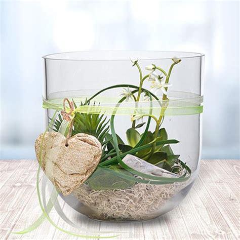 blumen dekorieren im glas glas voll mit gr 252 nen pflanzen tischdeko