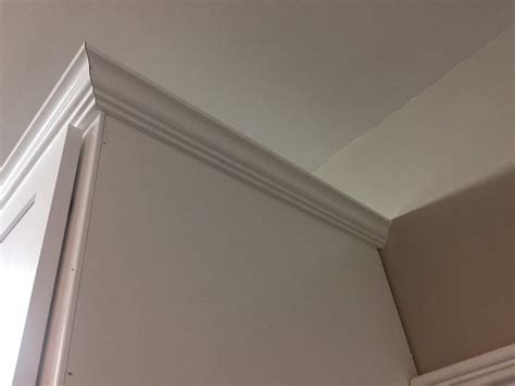 crown molding ideas for kitchen cabinets best 25 kitchen cabinet molding ideas on