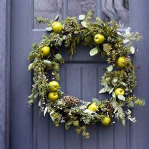wreath decorations making wreaths for fall and winter decorating 30 door decorating ideas