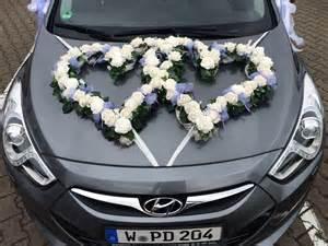 auto dekoration blumen sanders hochzeit autodeko