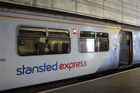 express stansted file stansted airport railway station july 2010 16 jpg