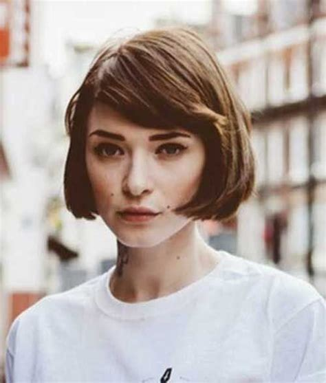 haircuts to soften a big chin 174 best images about bangs on pinterest chin length bob