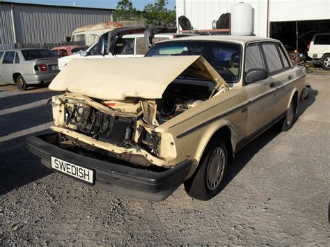 used volvo 240 parts used volvo 240 s40 parts salvage volvo parts volvo salvage