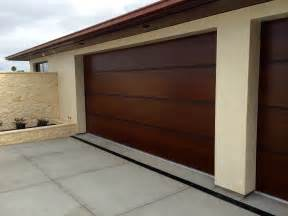 Modern Overhead Door Modern Garage Doors Wood Garage Doors Garage Doors And Doors