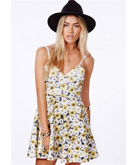 Arisya Dress arisa yellow skater dress in print