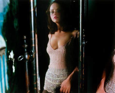 Naked Pics Of Christina Ricci - christina ricci photoshoot by carter smith 2002 06 gotceleb