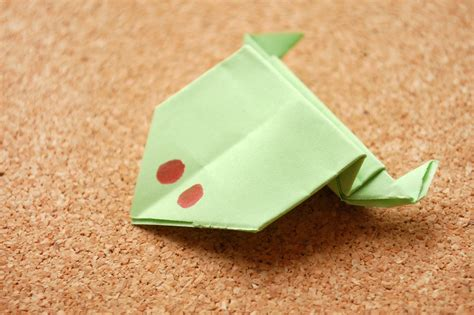 How To Fold Paper - how to fold an origami frog 10 steps with pictures
