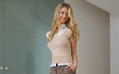 carisha videos carisha blonde model women wavy hair wallpapers hd