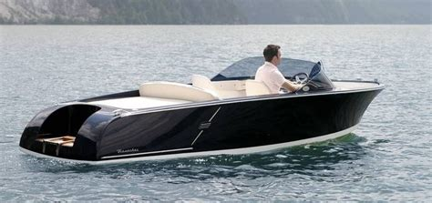 electric runabout boat electric boat runabout 560 valencia frauscher bootswerft