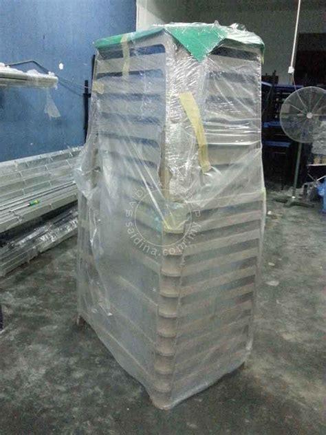 Meja Plastik Peperiksaan pembekal meja peperiksaan sekolah utama malaysia terus